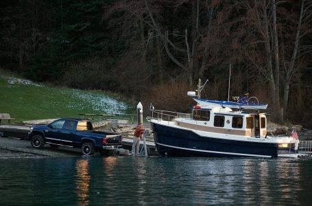 Hauling boats for money: How to become a boat hauler?